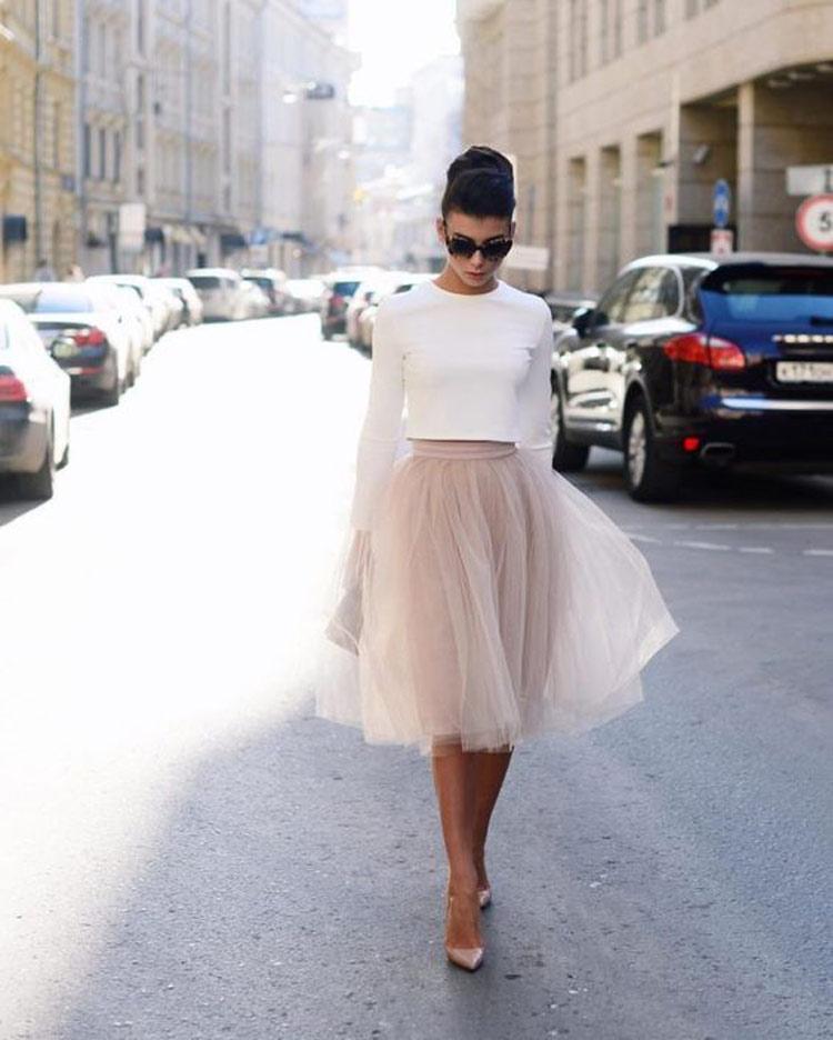 saia-de-tule-rosa-e-blusa-branca
