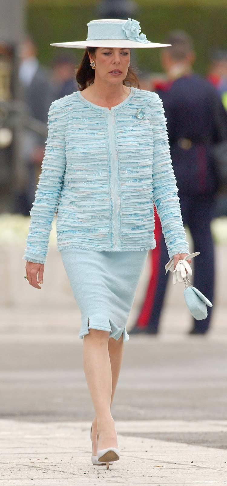Carolina-do-Mônaco-vestindo-um-terno-Chanel-no-casamento-dos-Reis-da-Espanha