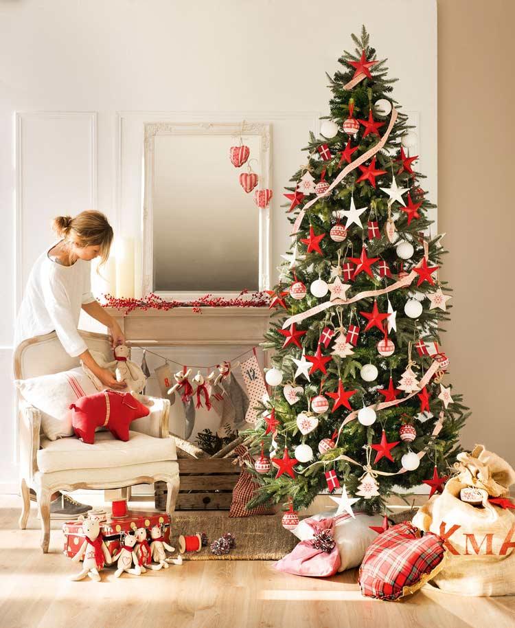 Como-decorar-a-árvore-de-Natal-em-vermelho-e-verde