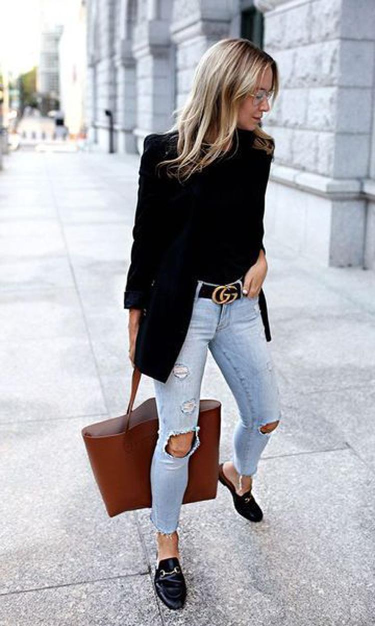 calça-jeans-blazer-preto-e-mule