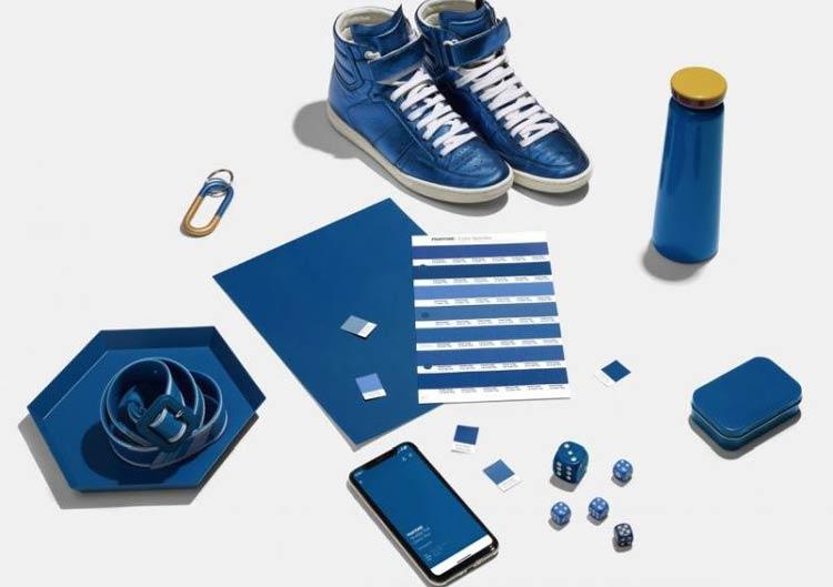 PANTONE-19-4052-Classic-Blue