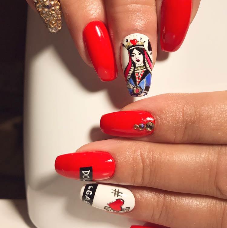 logomania-nas-unhas-Dolce-&-Gabbana