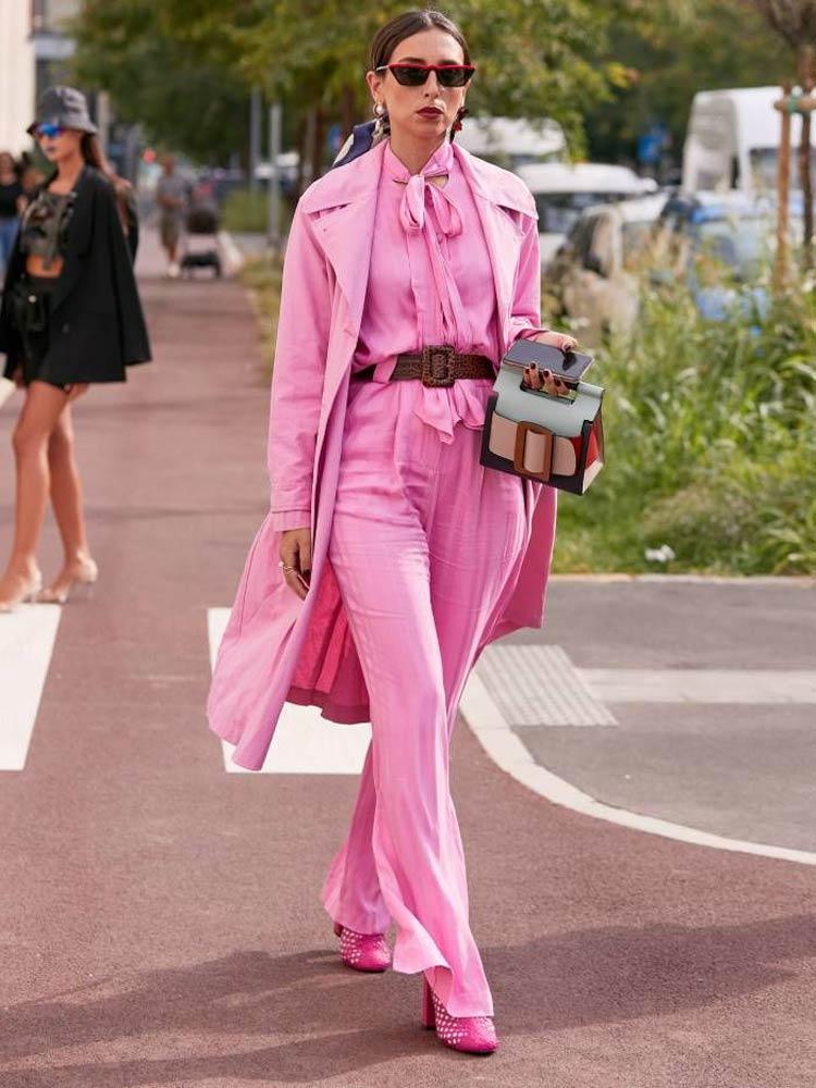 look-todo-rosa-com-cinto-em-couro-trançado