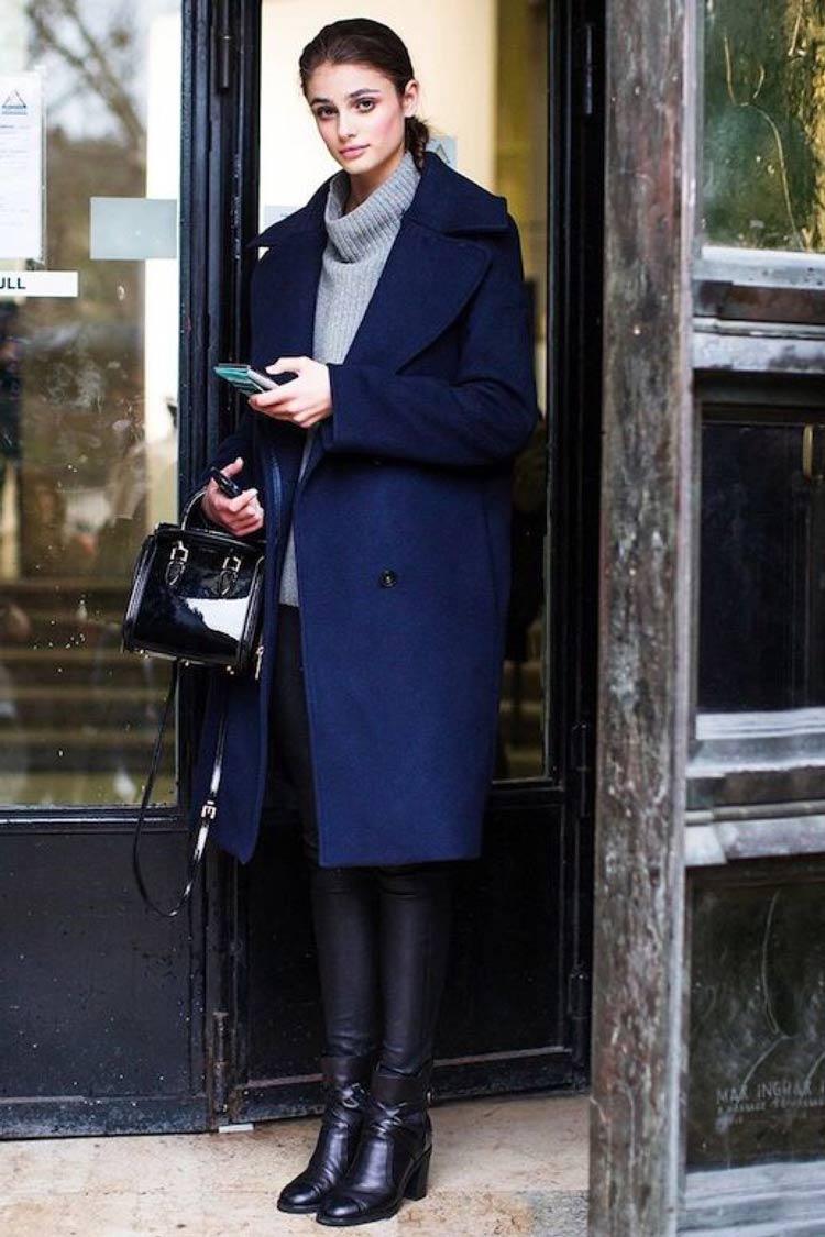 Cores-das-roupas-para-cabelos-castanhos-casaco-azul-marinho