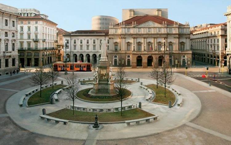 Piazza-della-Scala