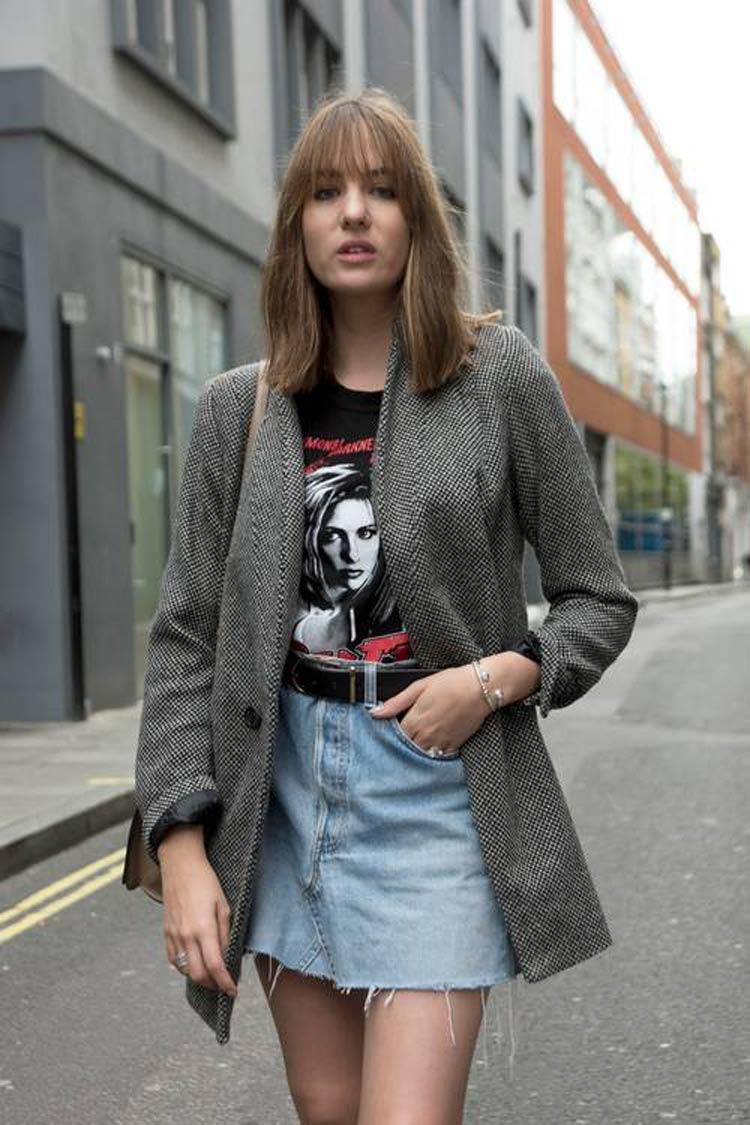 camiseta-de-banda-com-saia-jeans-e-blazer-grande