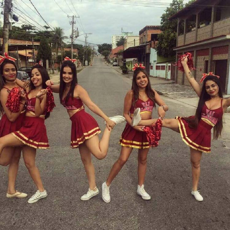 fantasias-carnaval-de-rua--lider-de-torcida