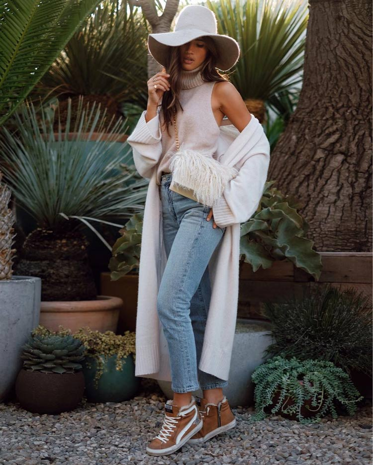"looks-with-jeans-mid-season ""width ="" 750 ""height ="" 935 ""srcset ="" https://www.wefashiontrends.com/wp-content/uploads/2020/01/looks-with-pants -jeans-mid-season.jpg 750w, https://www.wefashiontrends.com/wp-content/uploads/2020/01/looks-with-pants-jeans-season-241x300.jpg 241w, https: / /www.wefashiontrends.com/wp-content/uploads/2020/01/looks-with-pants-jeans-season-528x658.jpg 528w ""sizes ="" (max-width: 750px) 100vw, 750px ""/></p> <h2 class="