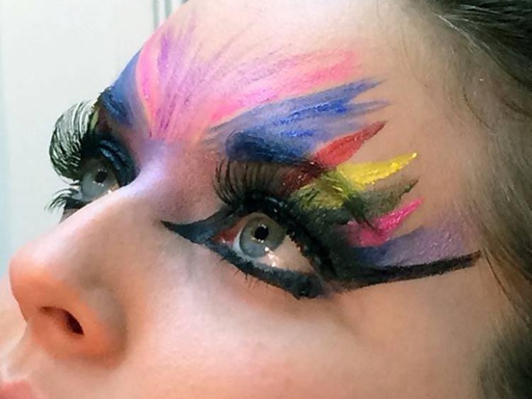 make-colorida-olho-carnaval