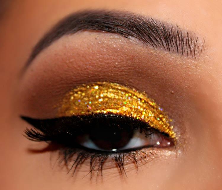maquiagem-carnaval-dourada-glitter