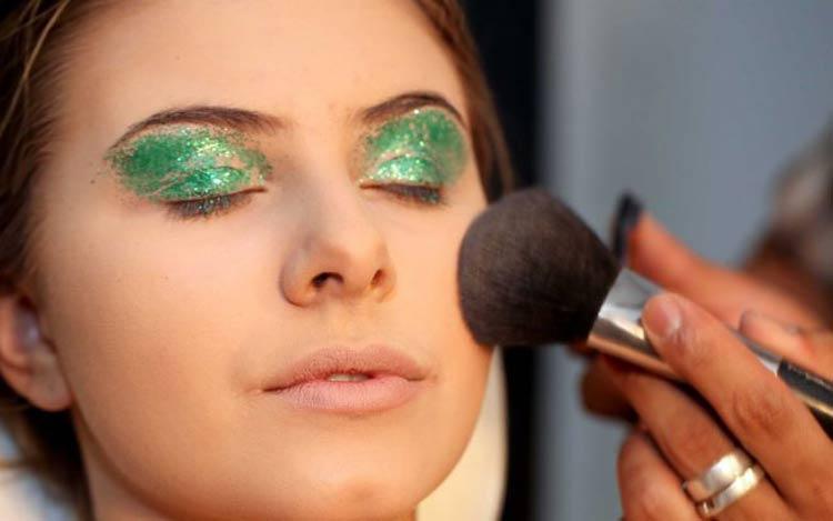 maquiagem-carnaval-verde