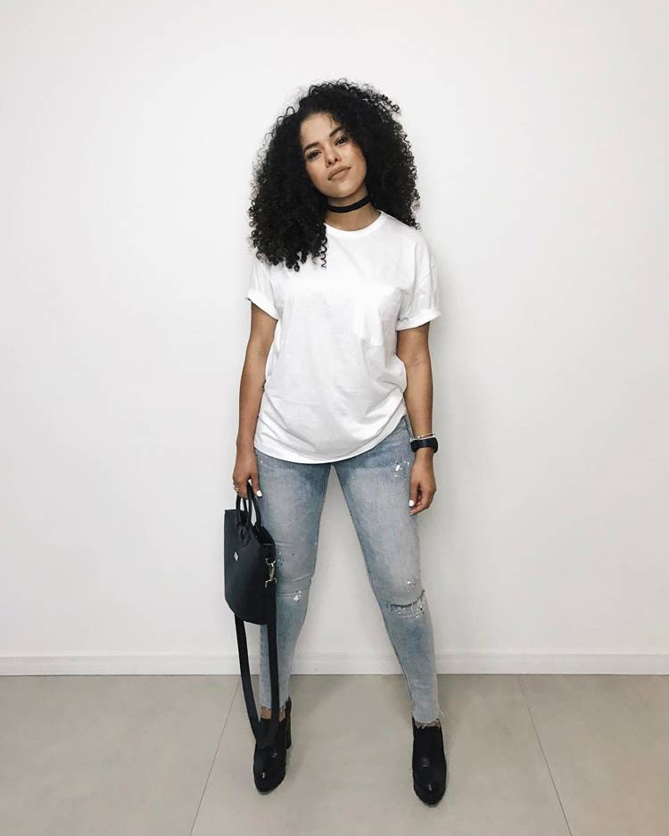 roupas-para-ir-no-culto-calca-jeans-camiseta-branca