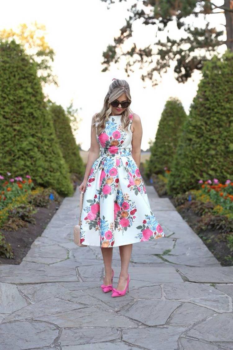 roupas-para-ir-no-culto-igreja-moderna-vestido-floral-rodado
