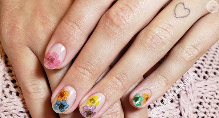 tendencia-nail-art-2020-unhas-com-flores