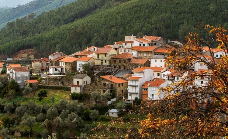 Cabeca-portugal-aldeia
