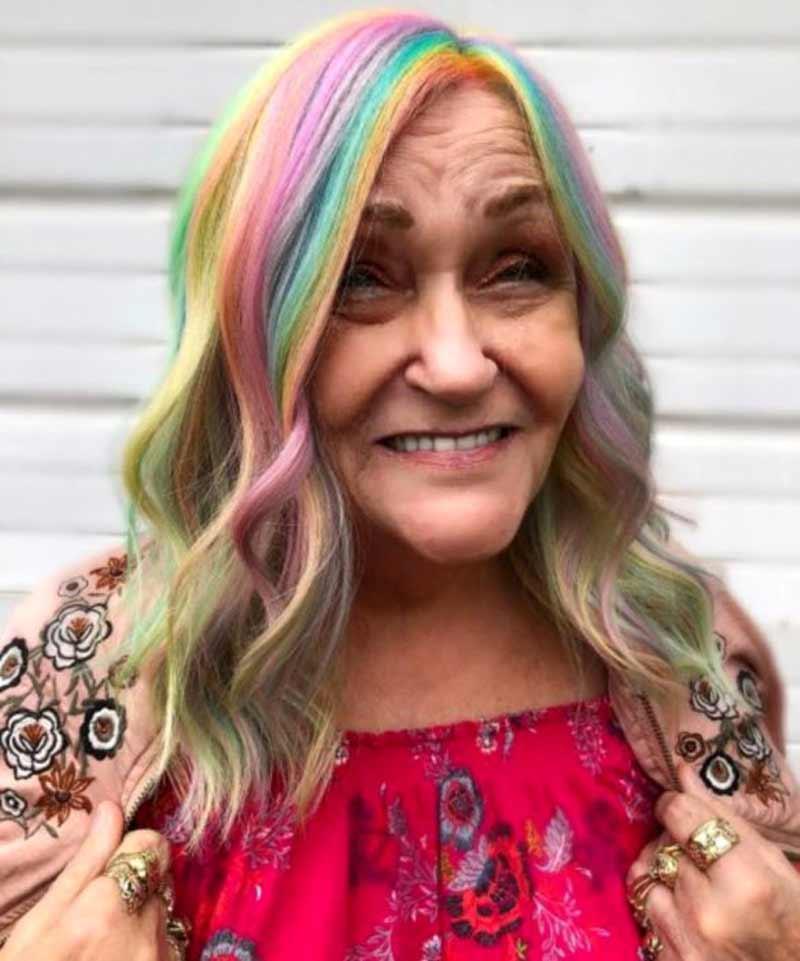 avos-com-cabelo-coloridos-arco-iris