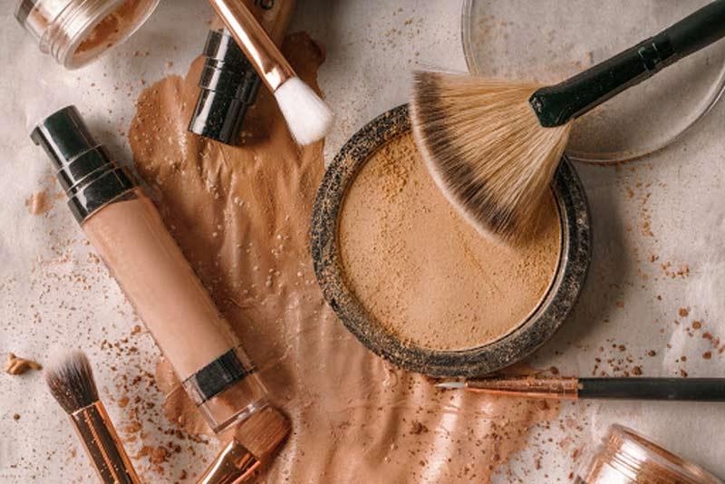 como-limpar-cosmeticos-e-maquiagens