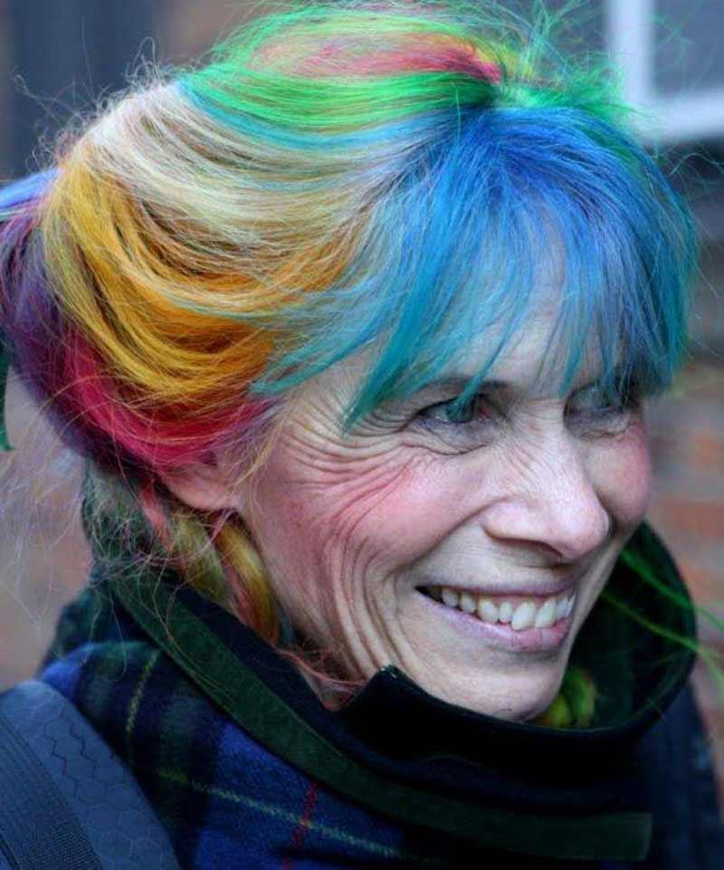 idosas-com-cabelos-coloridos