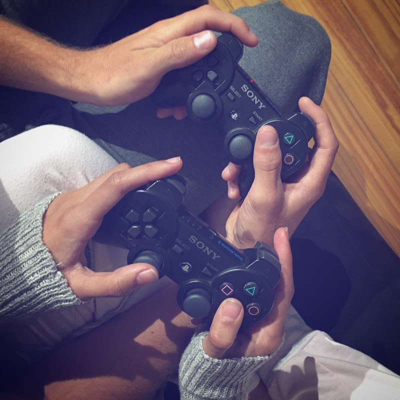 jogar-video-game-com-namorado