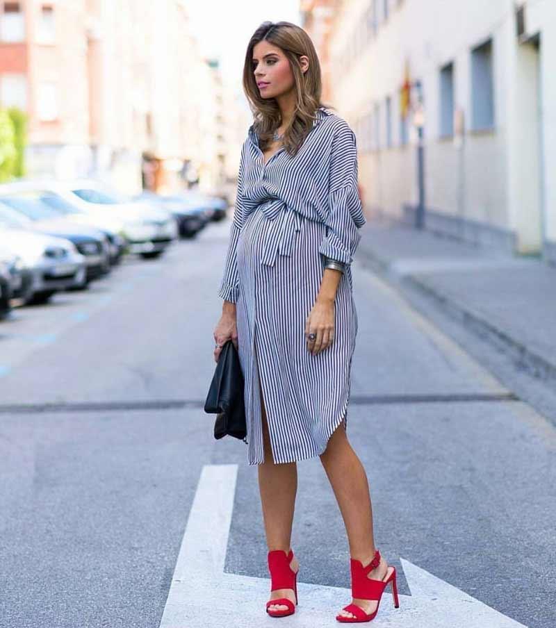 look-de-gravida-com-vestido-elegante-e-chique