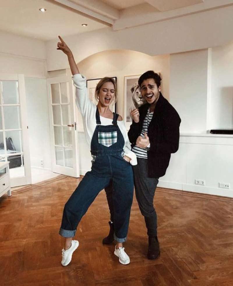 casal-dancando-em-casa