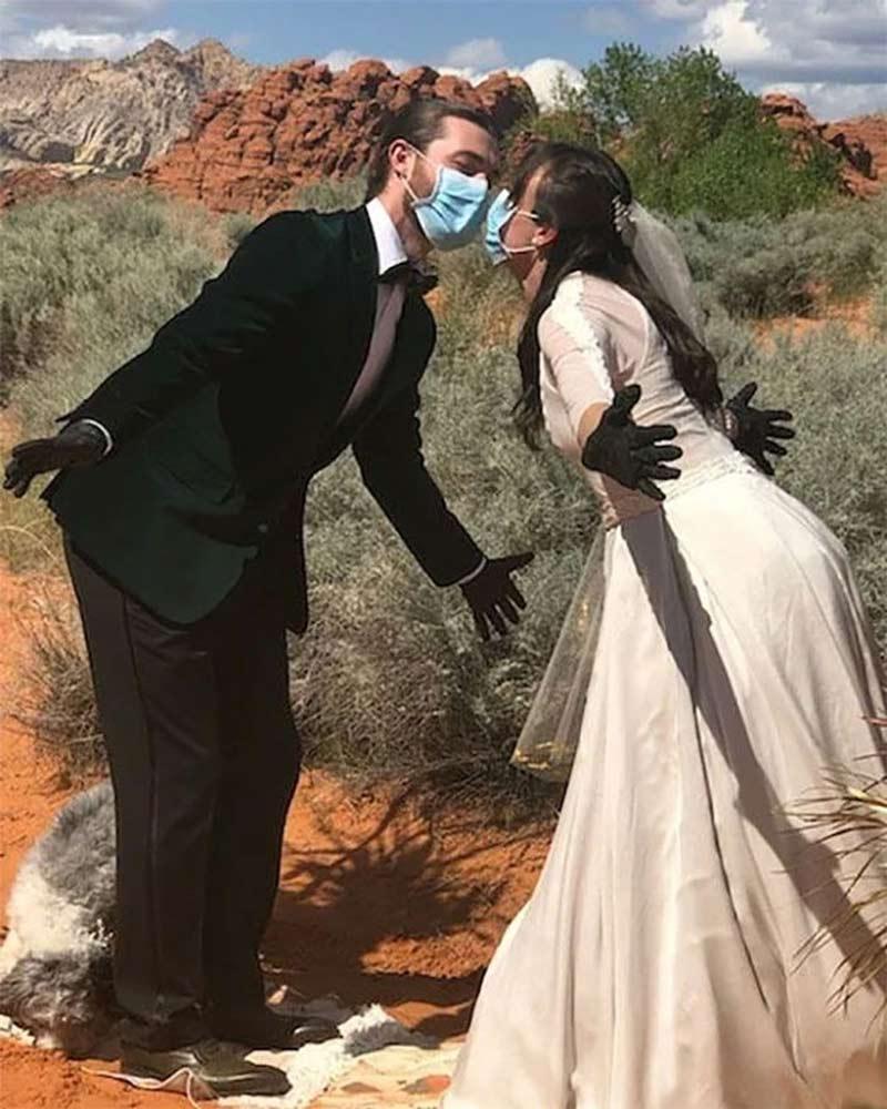 casamento-com-luva-e-mascara