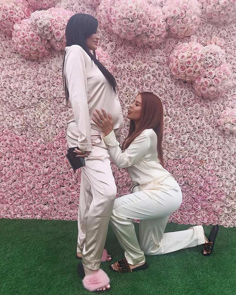 cha-de-bebe-Kylie-Jenner