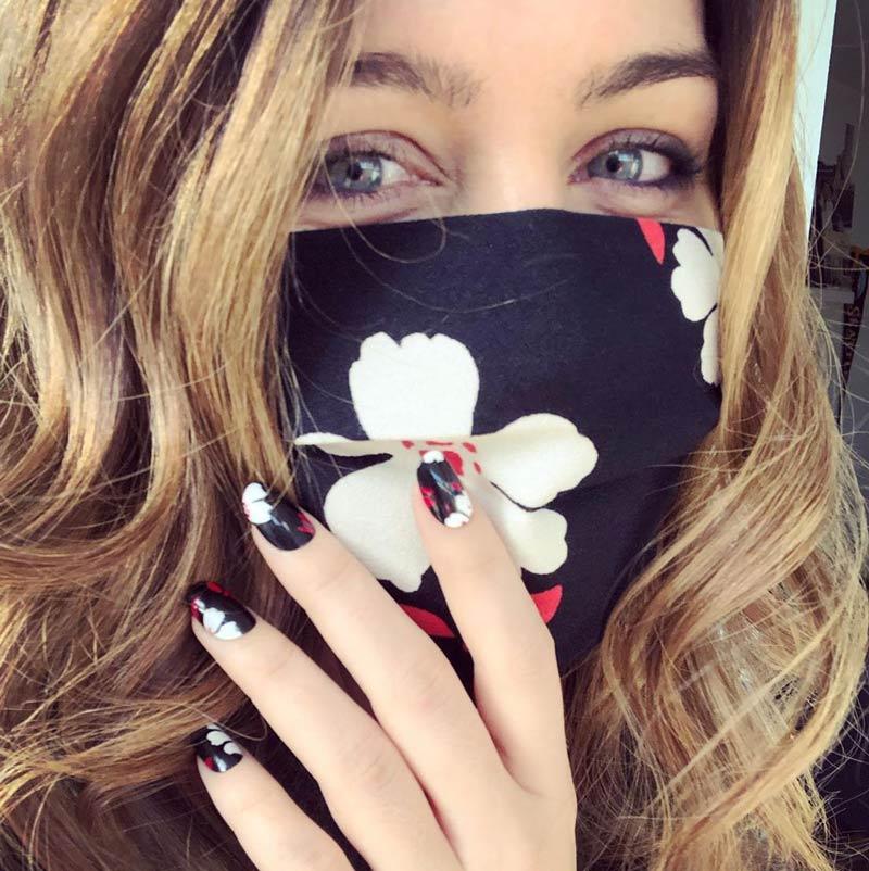 mascara-facial-e-unha-combinando-tendencia