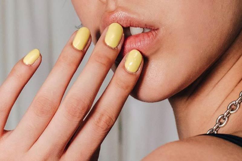 tendencia-nail-art-unhas-amarela