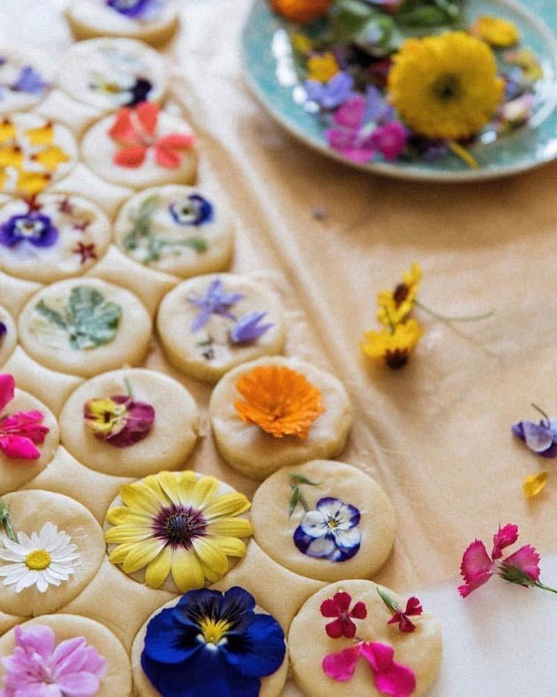 biscoito-com-flores-comestiveis-flores-usadas