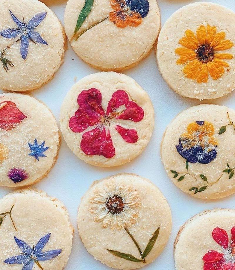 biscoito-com-flores-comestiveis