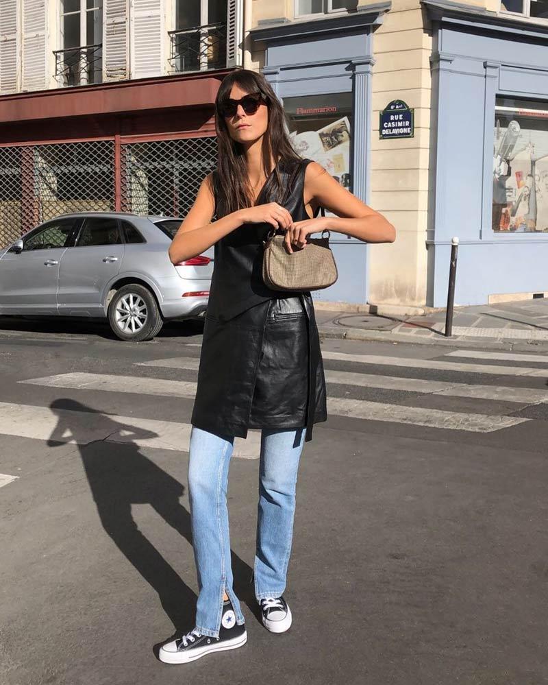 calca-jeans-colete-de-couro-alongado-bolsa-baguete