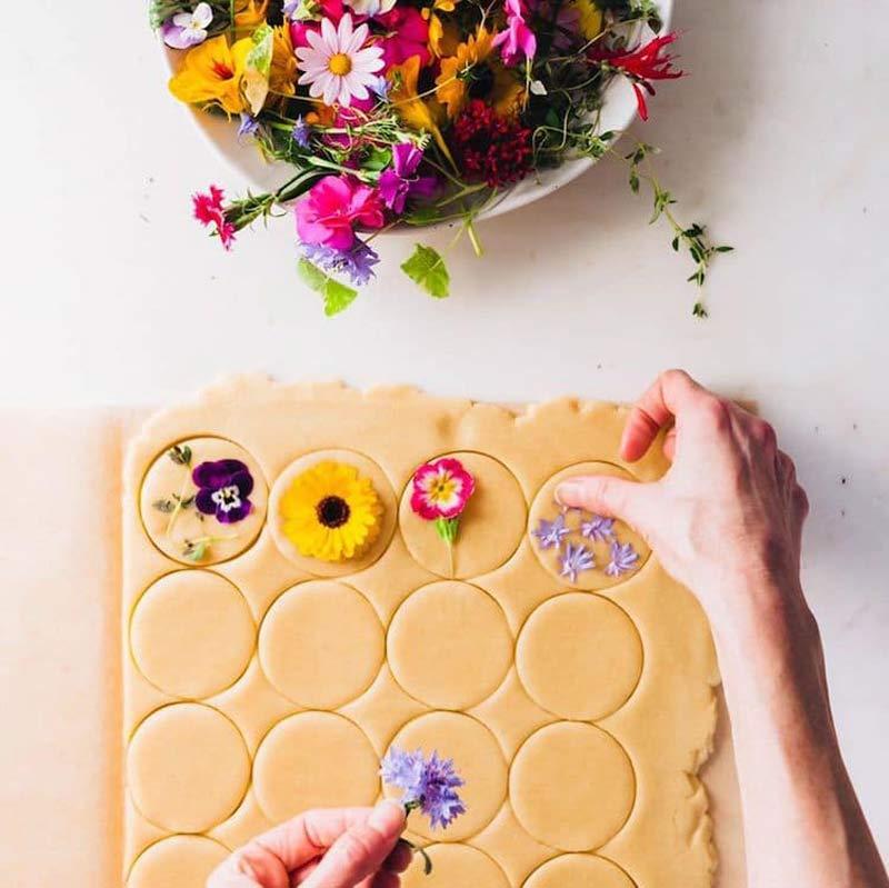 como-fazer-biscoito-com-flores