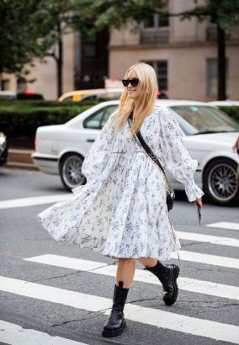 vestido-trapezio-babydoll-florido-coturno-preto
