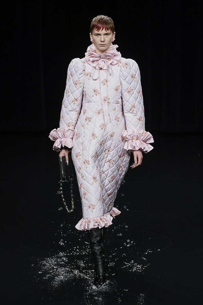 balenciaga-casaco-acolchoado-estilo-robe