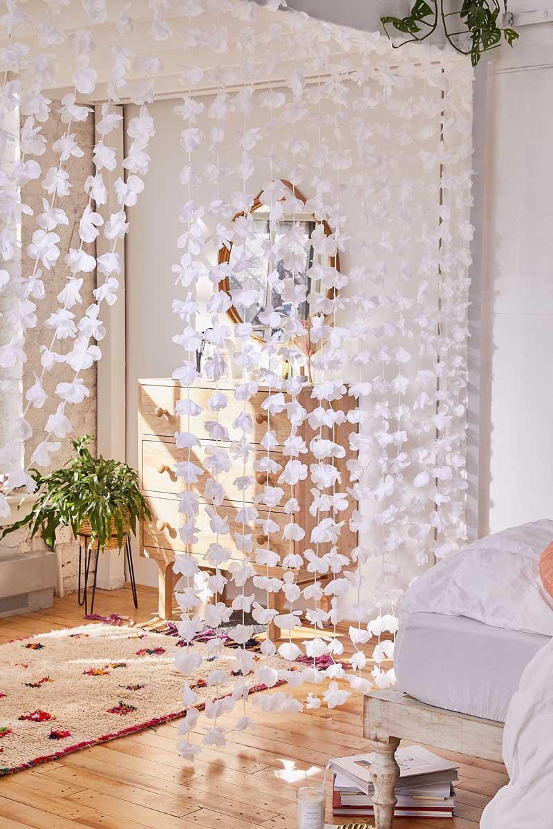 cortina-de-flores-aesthetic