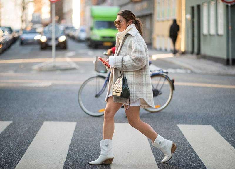 casaco-shacket-xadrez-bota-cowboy-looks-como-usar