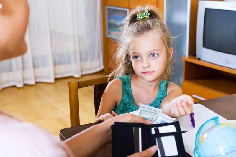 como-falar-de-dinheiro-com-as-criancas