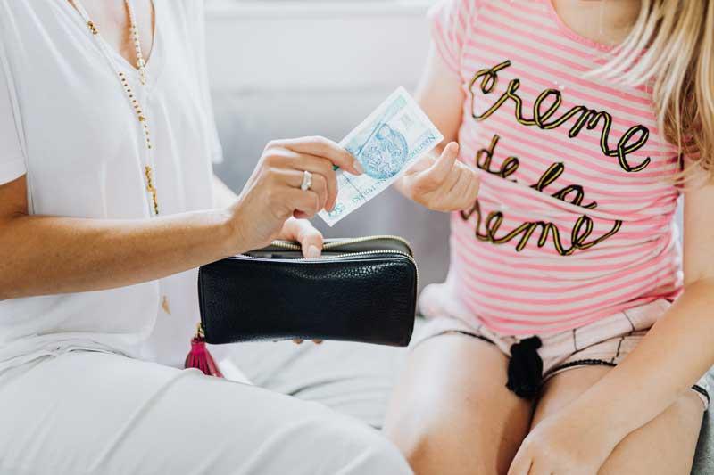 como-falar-de-dinheiro-com-criancas