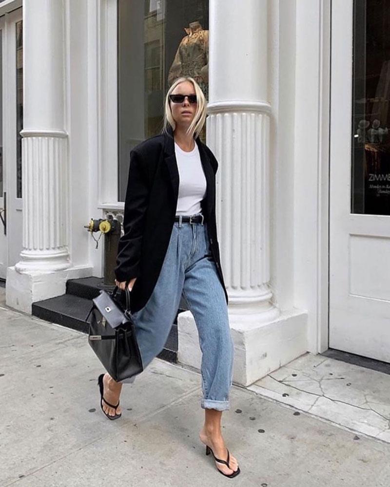 looks-com-calca-slouchy-jeans-camiseta-branca-blazer-preto