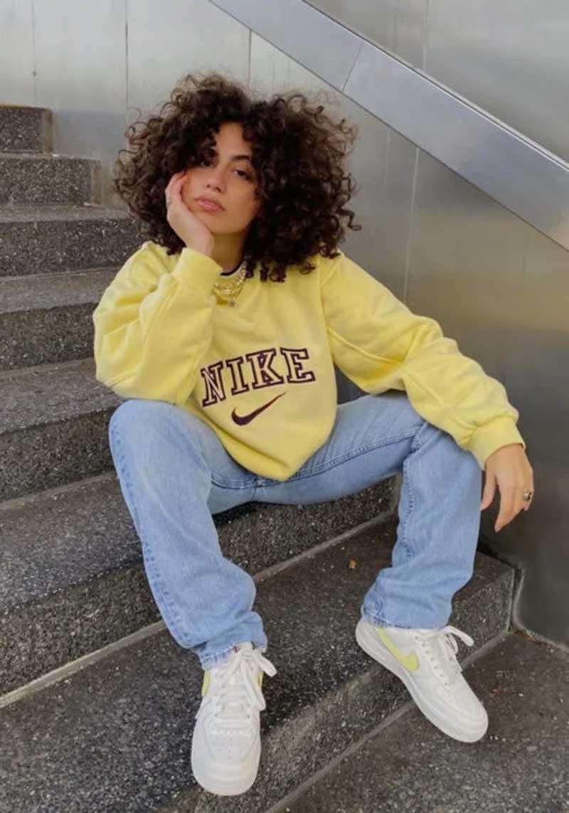 moletom-amarelo-calca-jeans-looks