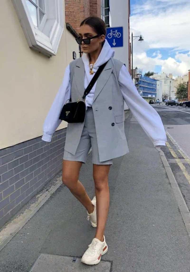 moletom-branco-com-colete-social-estilo-blazer-bermuda-alfaiataria