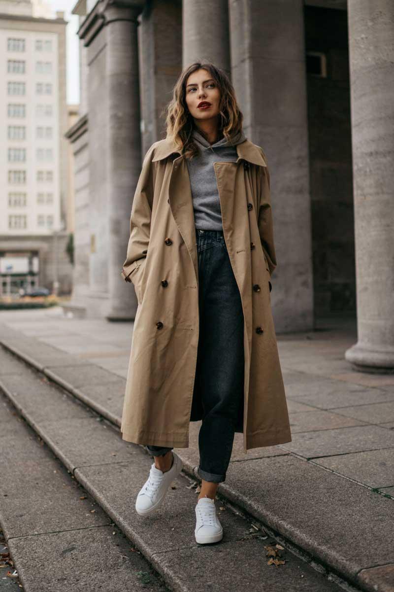 moletom-cinza-calca-mom-jeans-trench-coat