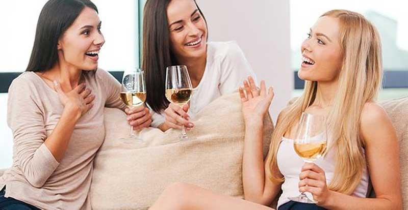traicao-feminina-contar-para-as-amigas
