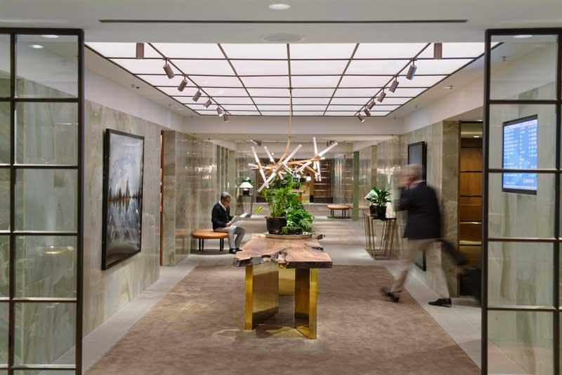 cathay-pacific-hong-kong-lounge