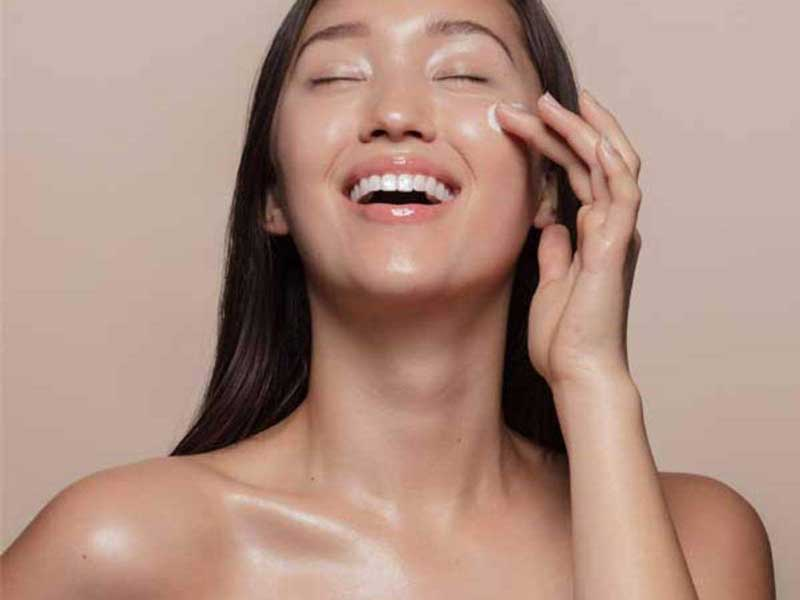 k-beauty-tendencia-beleza-coreia-vaselina-slugging