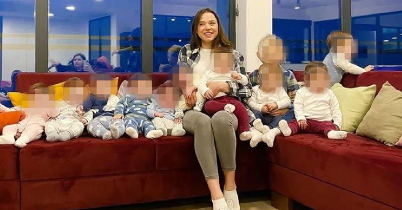 mulher-23-anos-mae-de-11-bebes