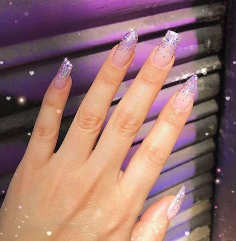 unhas assimetricas tipos glitter - Uñas asimétricas: ¡una tendencia que solo lucirán las más atrevidas!