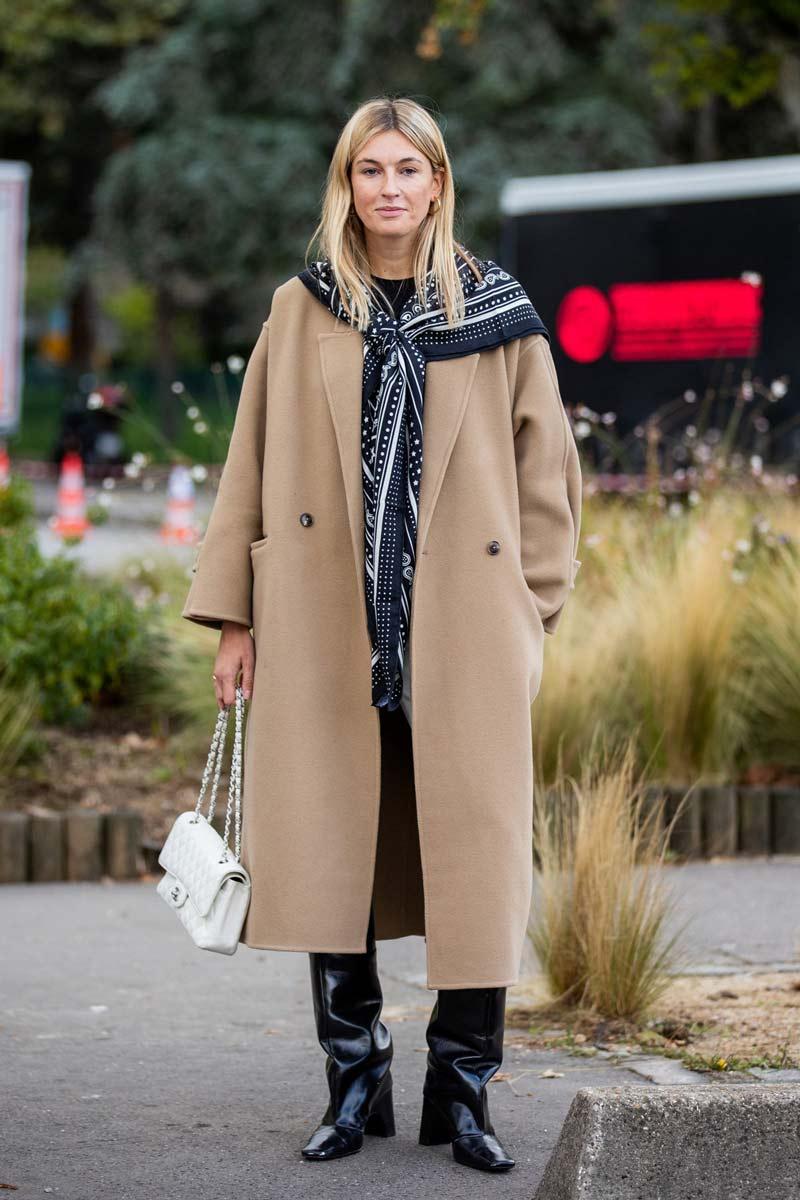 casaco-comprido-de-la-bege