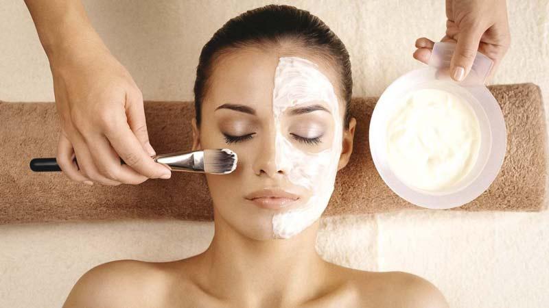 cuidados-faciais-pele-mascara-argila-branca-usos-beneficios